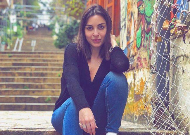 الفنانة اللبنانية سارة ابي كنعان حساب فيسبوك و تويتر و سناب و انستقرام