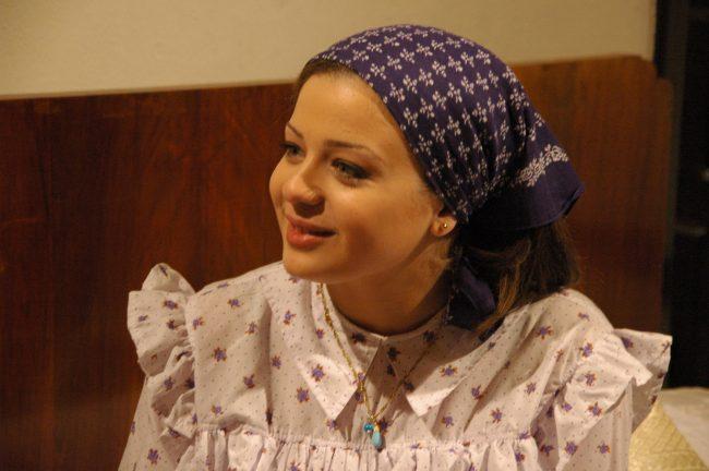 حساب فيسبوك و تويتر و سناب و انستقرام الفنانة الاردنية اناهيد فياض