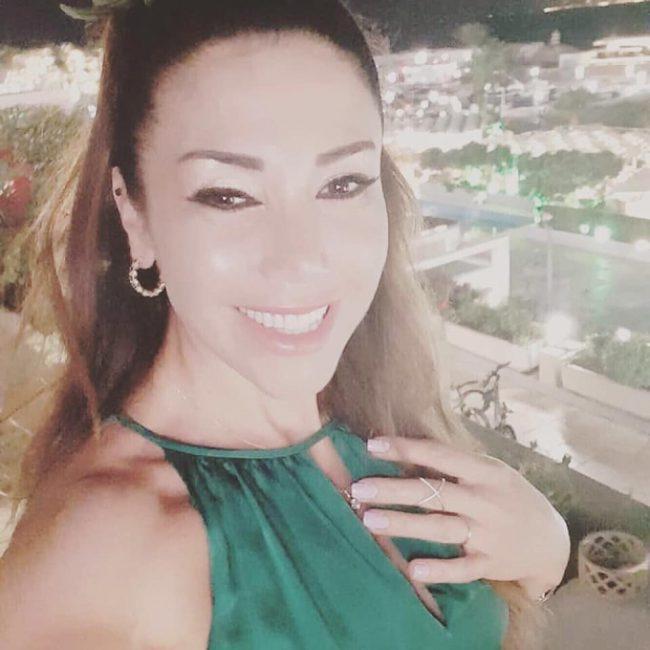 صور 2021 انستقرام و فيسبوك و تويتر و سناب للفنانة اللبنانية لورا خليل