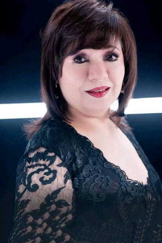 الفنانة المصرية الراقصة عايدة رياض حساب فيسبوك و انستقرام و سناب
