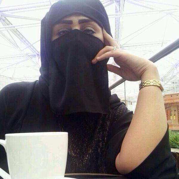 خليجية مطلقة ميسورة الحال عقيمة ابحث عن زوج حنون مقيم فى البحرين لزواج مسيار