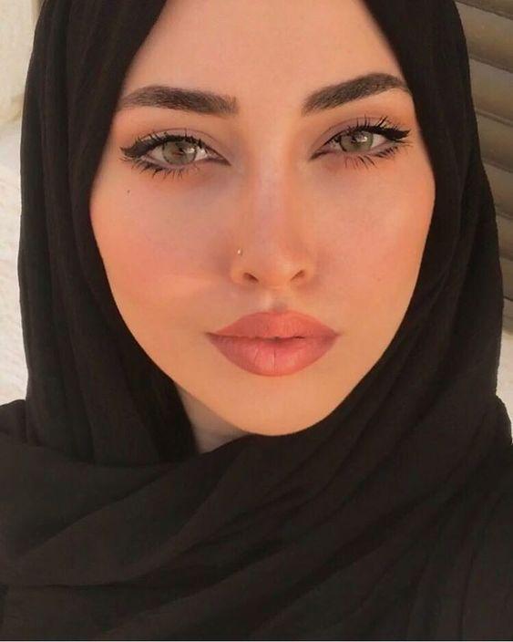 للزواج مسلمه خليجية مقيمه في كندا ابحث عن مطلق او ارمل