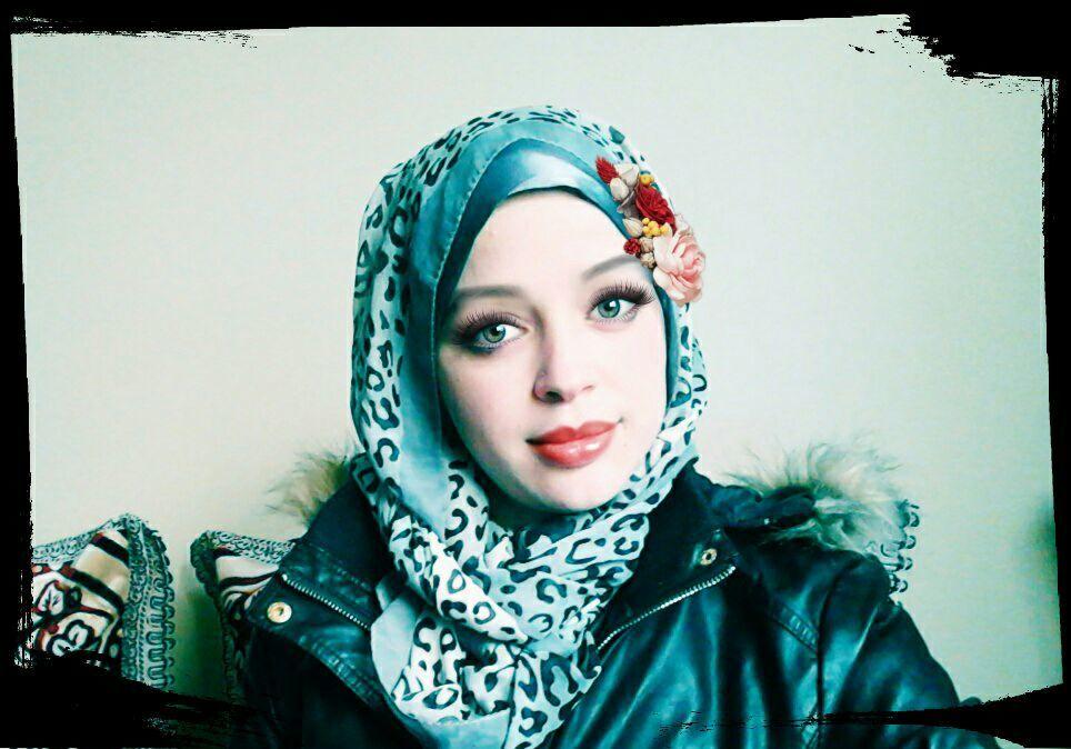 مدرسة مصرية مقيمة في الكويت ارغب بالزواج المعلن من كويتي