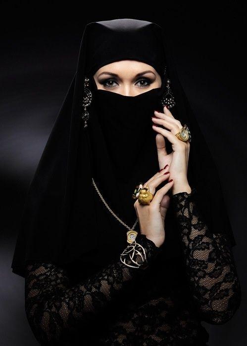 ارملة ميسورة الحال مقيمة في تركيا لزواج مسيار و لا اقبل التعدد