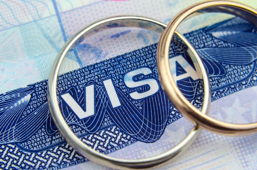 المتطلبات القانونية للحصول على تأشيرة الزواج في الولايات المتحدة الأمريكية أو البطاقة الخضراء