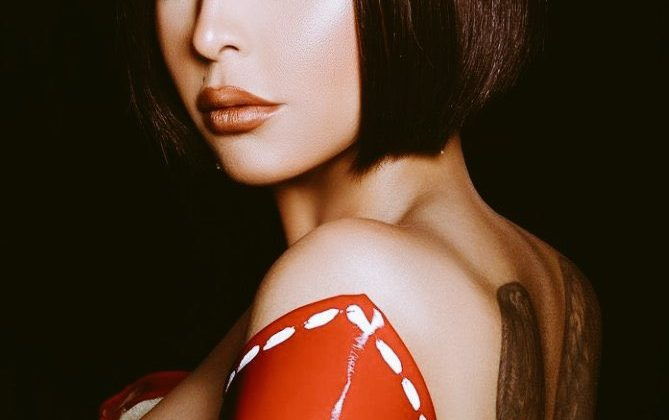 الفنانة شمس الكويتية صور حساب فيسبوك و تويتر و انستقرام و سنابو رابط قناتها علي اليوتيوب
