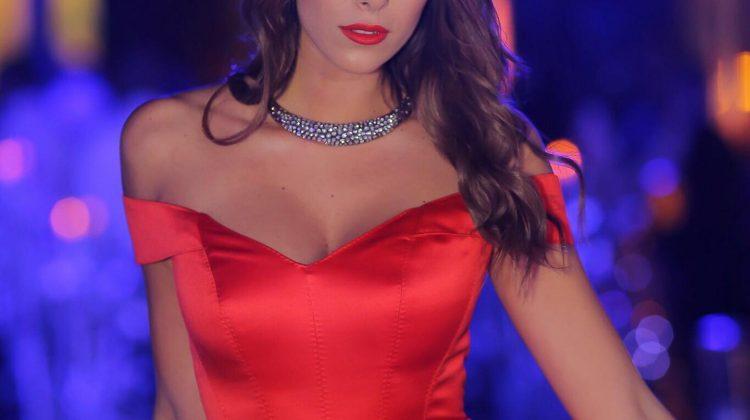عارضة الازياء و الفنانة الاعلامية اللبنانية دانييلا رحمة فيسبوك و انستقرام و سناب و تويتر